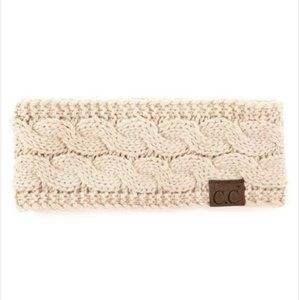 C.C Cable knit Sherpa lined headband - Beige